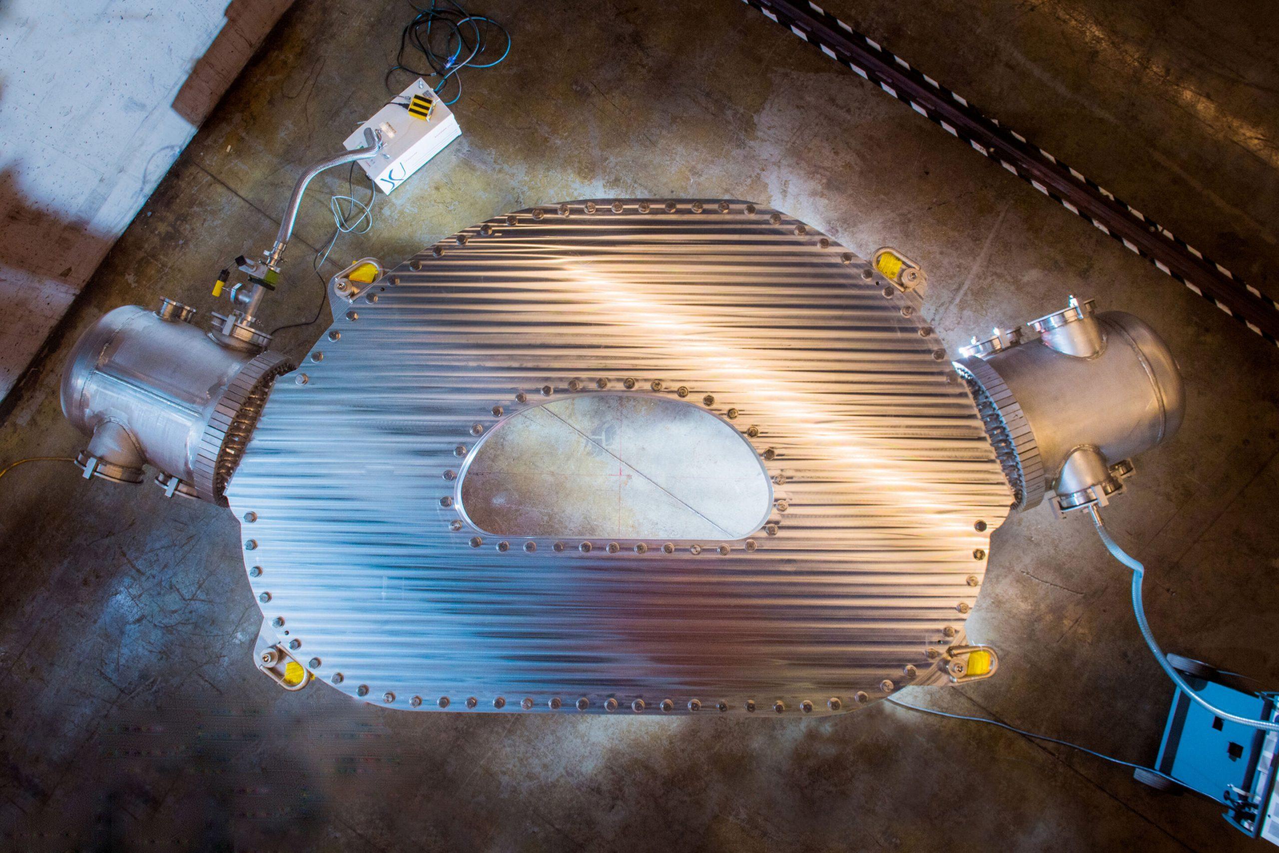 Imã supercondutor/ Dispositivo paraUsina de energia de fusão